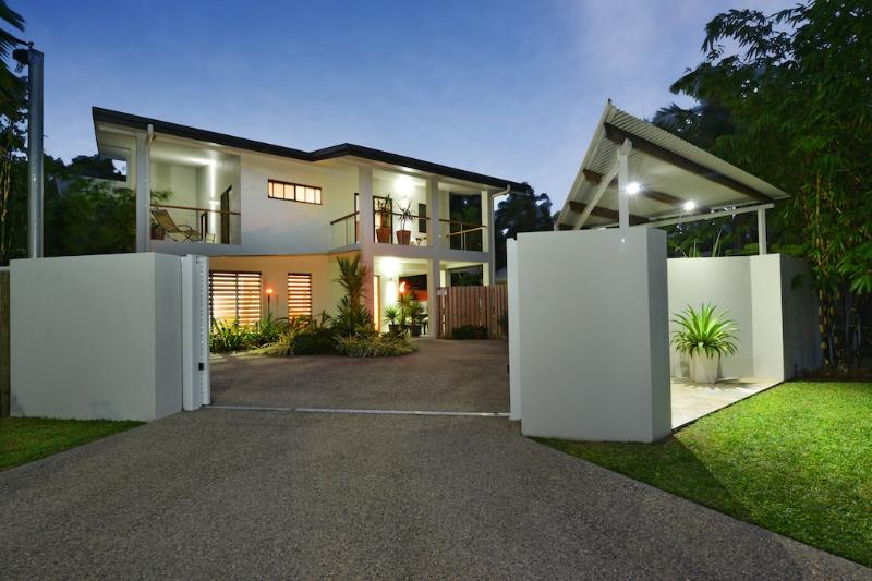 Front View - Coral Sea Beach House | Multi Award Winning - Port Douglas - rentals
