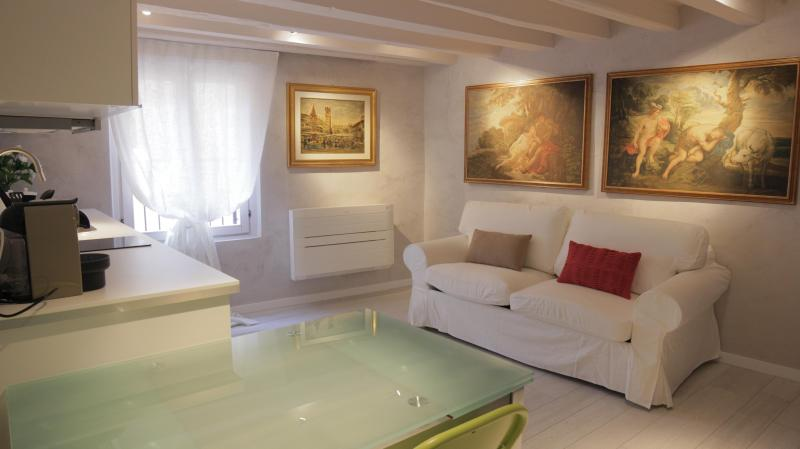 Casa Vittoria  few steps from the Arena - Image 1 - Verona - rentals