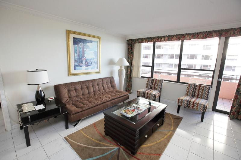 Living Room - Miami Beach 1010 Luxury With Direct Ocean Views - Miami Beach - rentals