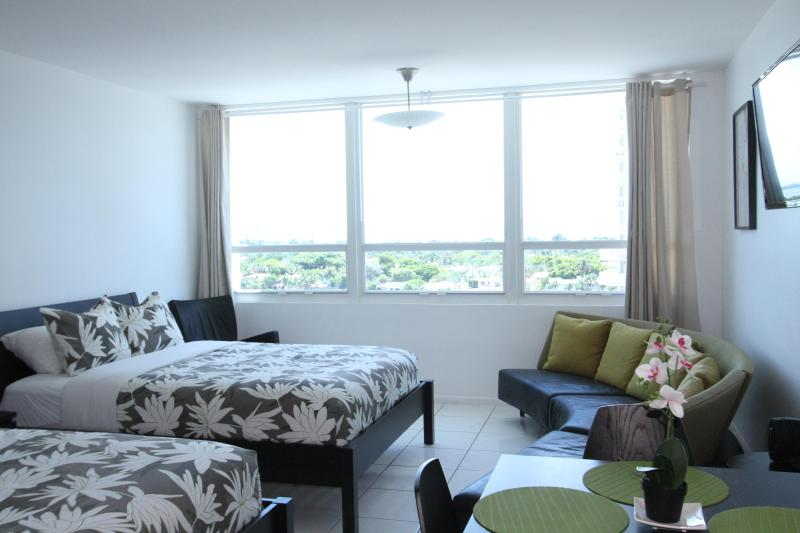 Bay view studio 805 - Image 1 - Miami Beach - rentals