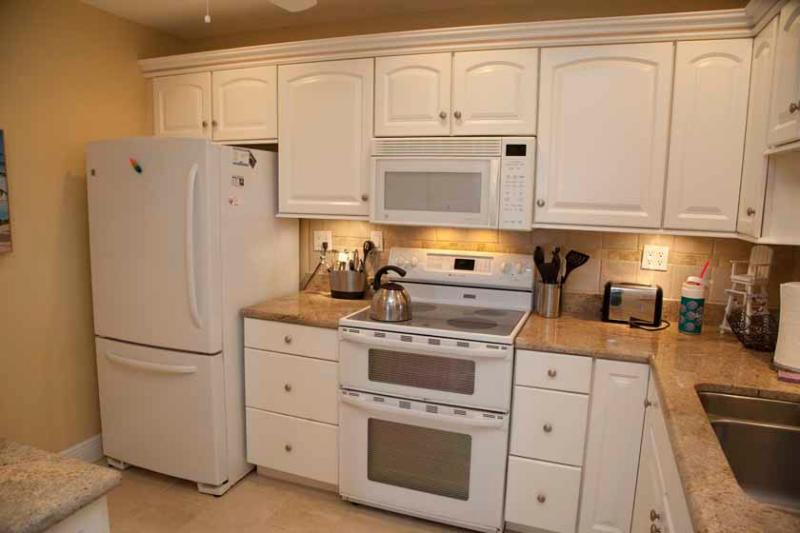 Kitchen - Gulfside Mid-Rise Unit 607 - Sarasota - rentals