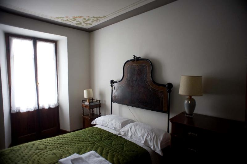 bed room - Ancient stone house in the Monterosa Valley - Issime - rentals