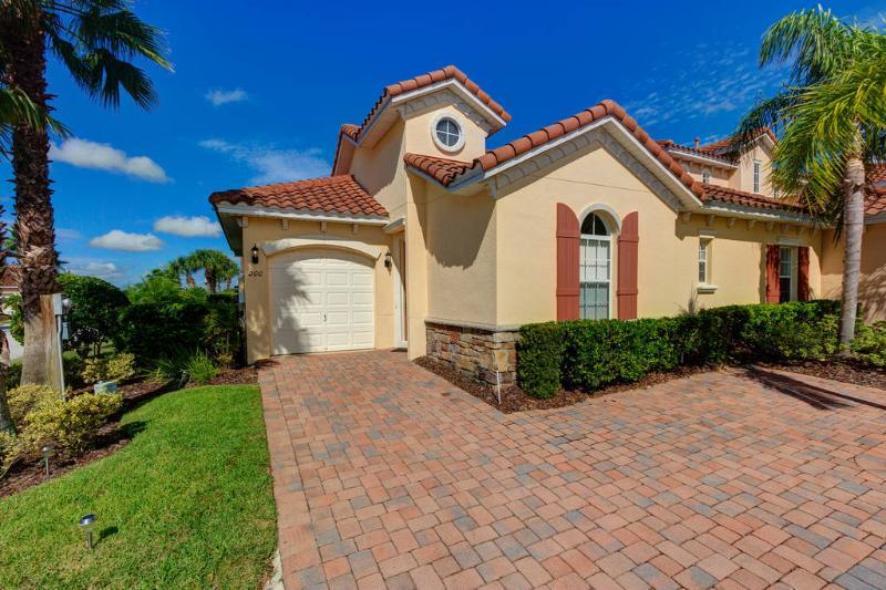 Rookes Villa - Image 1 - Davenport - rentals
