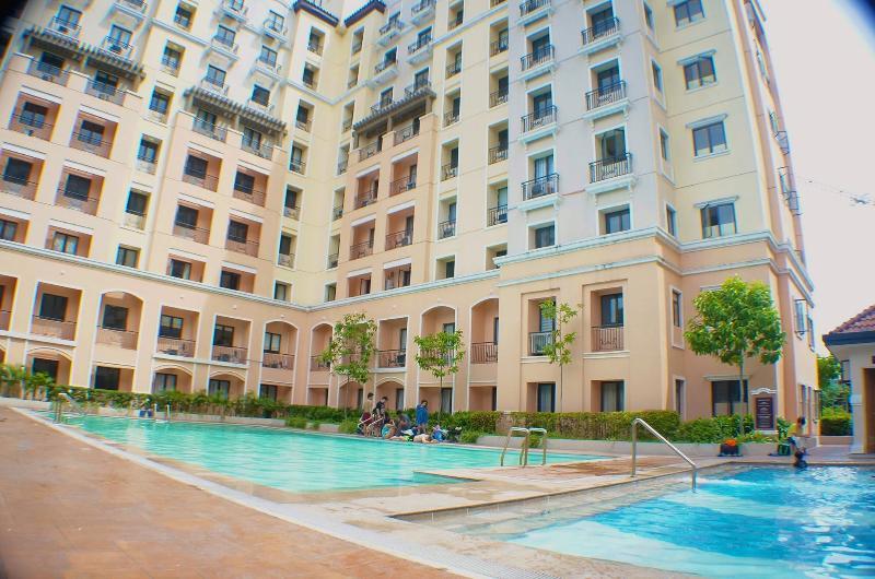 Swimming pool - Residential Condo across  NAIA Airport TERMINAL  3 - Pandan - rentals