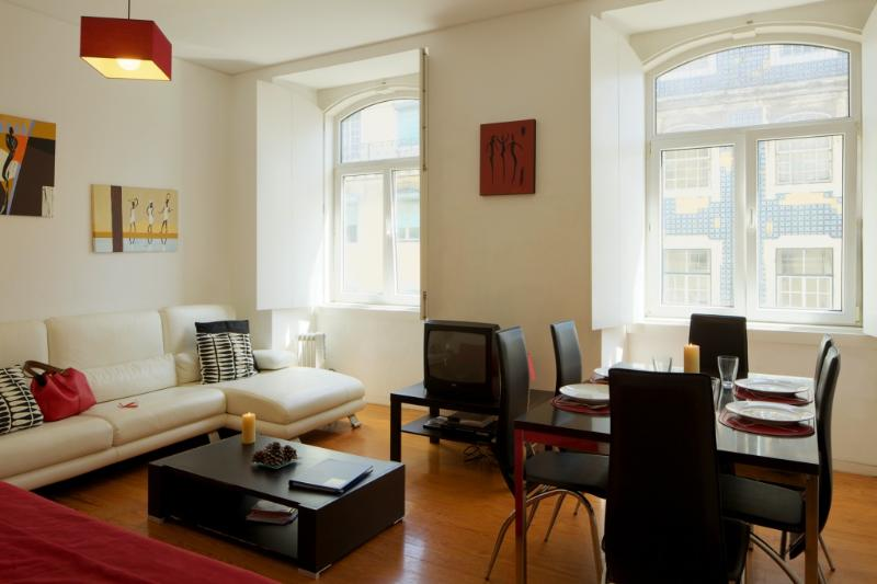 Apartment in Lisbon 117a - Baixa - managed by travelingtolisbon - Image 1 - Lisbon - rentals
