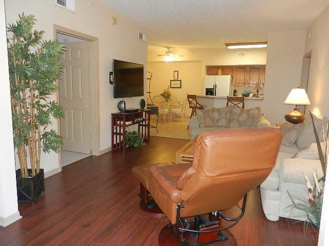 Your living room in Florida! - Condo-10 min. from the beach!   9 miles to Sanibel - Fort Myers - rentals