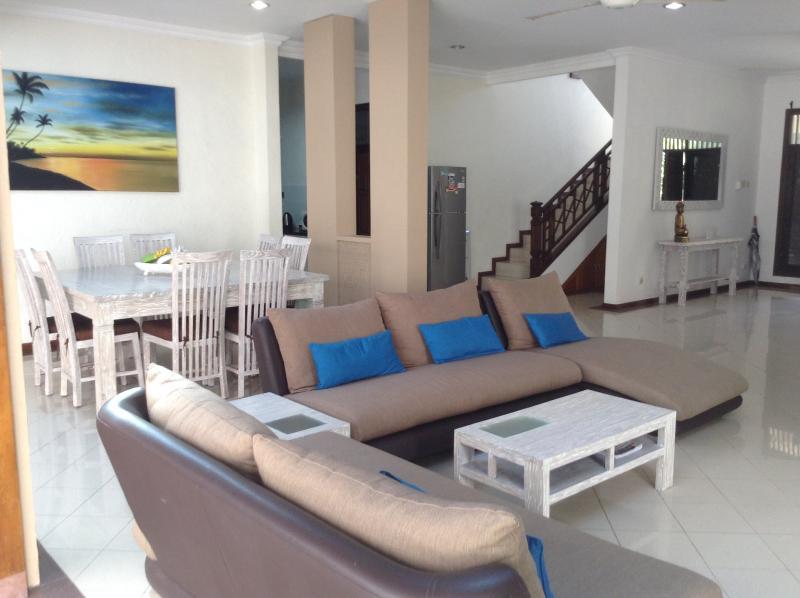 Spacious Lounge - Kuta Villa Jaya - Kuta - rentals
