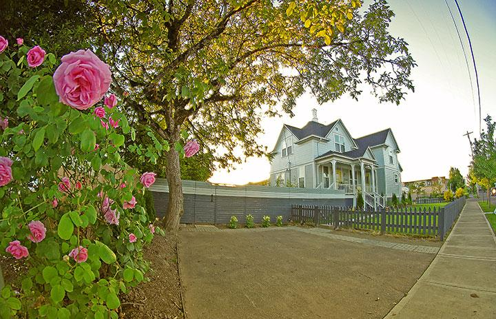 Stunning Victorian in the Heart of OR Wine Country - Image 1 - Lafayette - rentals