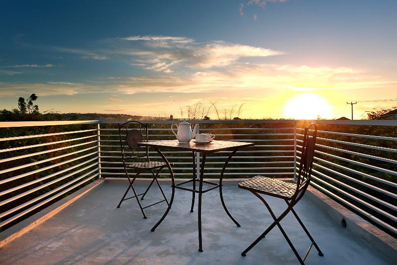 Sunset in Evania Nusa Dua - Tranquil Evania - Your Own Tropical Home in Bali! - Nusa Dua - rentals