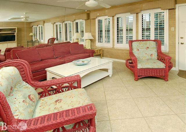 Living Room - Sea Breeze 119 ~ Comfortable and Affordable ~ Bender Vacation Rentals - Gulf Shores - rentals
