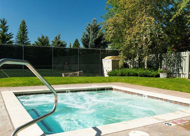 Sundance Tennis & Swim Club - White Ridge condo- Walk to the Slopes from your Front Door! - Teton Village - rentals