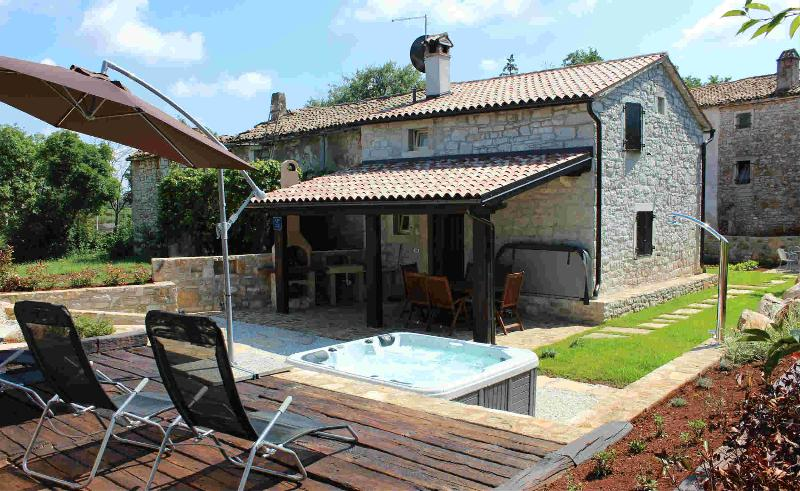 Istrian house for perfect vacation-Villa Gašparini - Image 1 - Visnjan - rentals