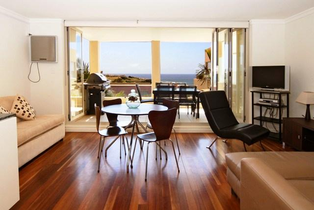 Captivating Beachside Apartment - Image 1 - Clovelly - rentals