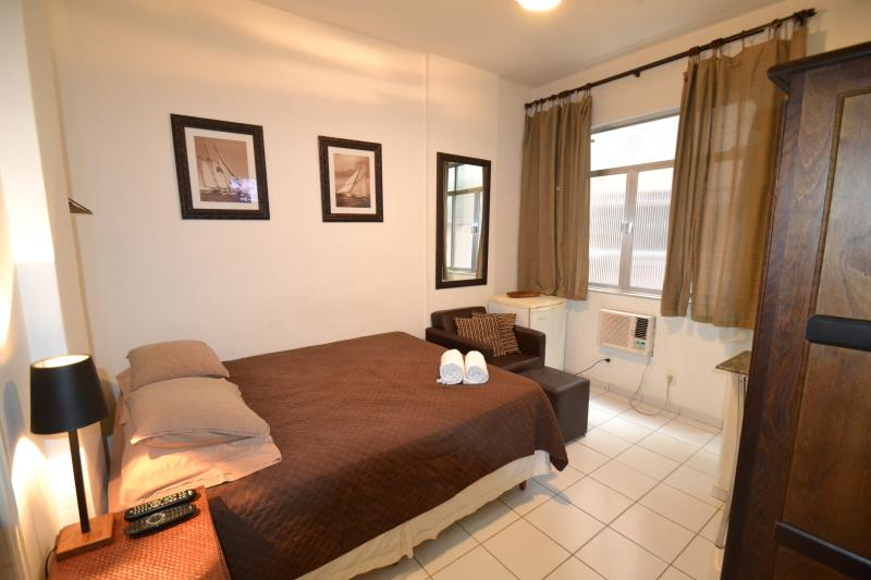Comfortable Queen size bed - Nice Studio Apartment in World Famous Copacabana - Rio de Janeiro - rentals