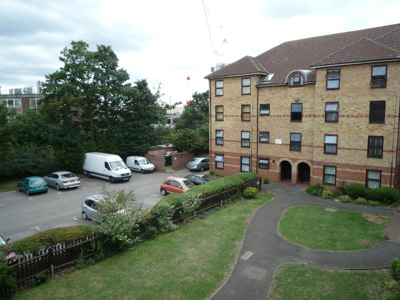apartment view - 1 bed apartment (J) London   15 minutes to City Ce - London - rentals