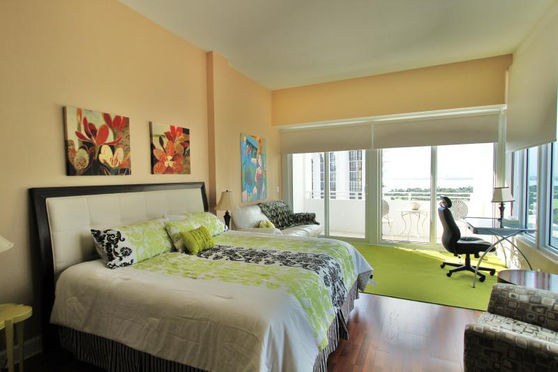 Bay View Penthouse 15 - Image 1 - Miami Beach - rentals