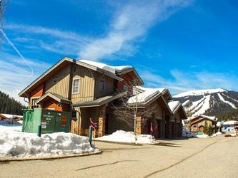 Front View - Trapper's Landing Townhouses - 34 - Sun Peaks - rentals