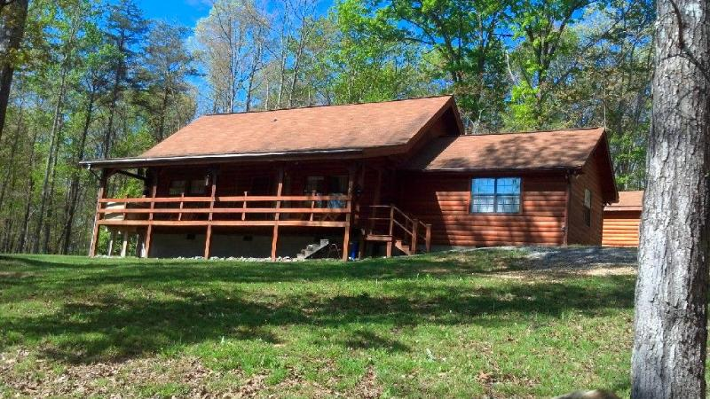 Log Home in Beautiful Private Setting on 10 acres with Pond - Image 1 - Dunlap - rentals