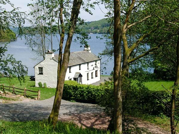 HULLET HALL, fantastic on-site pool and fishing, jetty onto Lake Windermere, Graythwaite, Ref. 914075 - Image 1 - Hawkshead - rentals