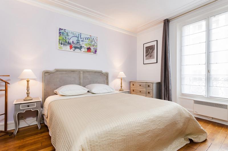 Master Bedroom - 55. 2 BR Apartment - Steps from Le Bon Marché - Paris - rentals
