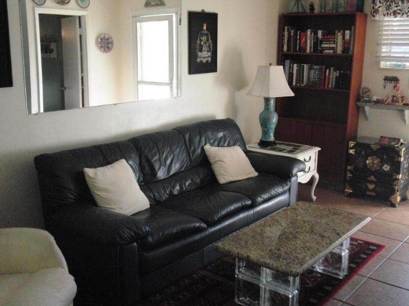 Livingroom A - 1 block to beautiful beach!   2BR 2BA house.  WiFi - Fort Pierce - rentals