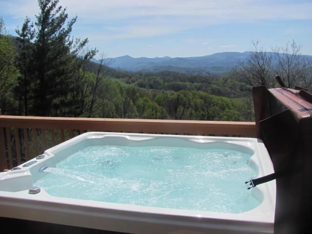 ABOVE IT ALL: hot tub, views, WiFi, Privacy - Image 1 - Boone - rentals