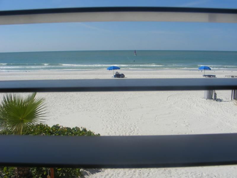 Direct Gulf views from your living room - Open NOW- Aug!  Bchfrnt, VIEWS, 2/1, Kitchn, Pool - North Redington Beach - rentals