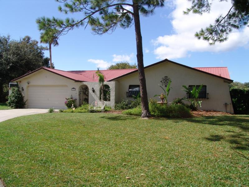Front of Casa del Rio - Exceptional Waterfront 3/2 Home - Crystal River - rentals