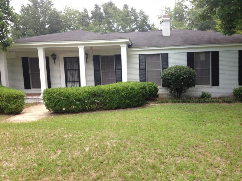 Front of house - Secluded Home - Tallahassee - rentals
