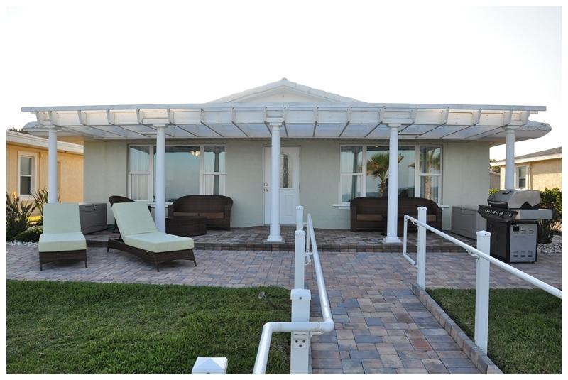 Fall $pecials -Luxury Vacation Home - Med Villa Oceanfront - Image 1 - Daytona Beach - rentals