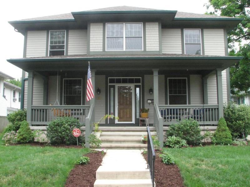 Front of House - Notre Dame Football Weekend Rental-Next to Campus - South Bend - rentals