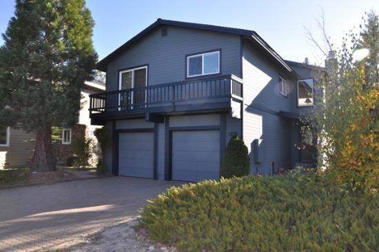 Lake Tahoe Keys Home 4 Bedroom, Sleeps 12 ~ RA1505 - Image 1 - South Lake Tahoe - rentals