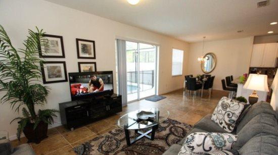 4 Bedroom 3 Bathroom Upgraded End Unit Town Home. 550LFD - Image 1 - Orlando - rentals