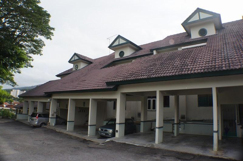 Exterior - Townhouse in Tanjung Bungah, Penang, Malaysia - Tanjong Bungah, Pinang - rentals