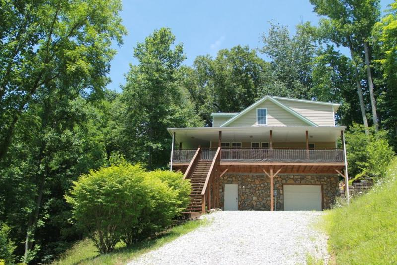 RIVER 3 MIN 4/2 SPRING BREAK AVAILABLE. CALL NOW!! - Image 1 - Burnsville - rentals