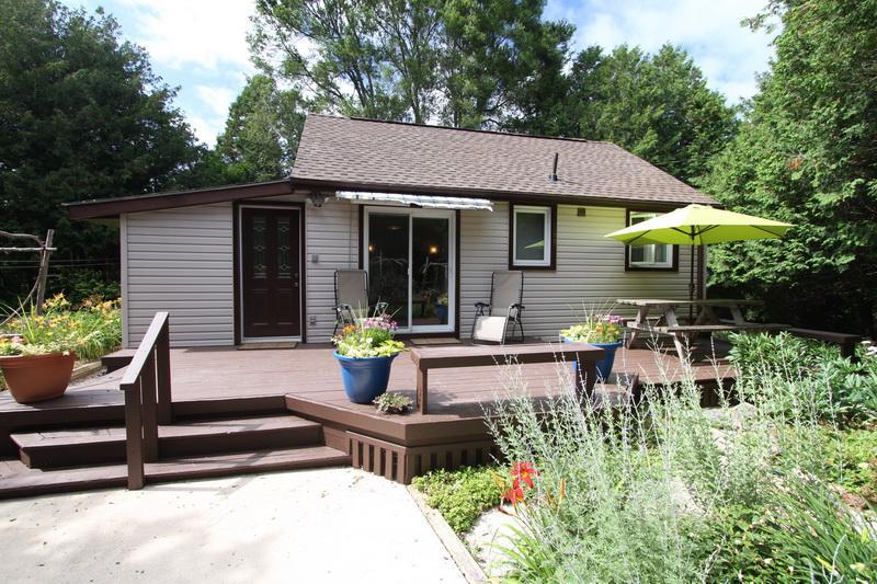 Summer Garden cottage (#898) - Image 1 - Kincardine - rentals