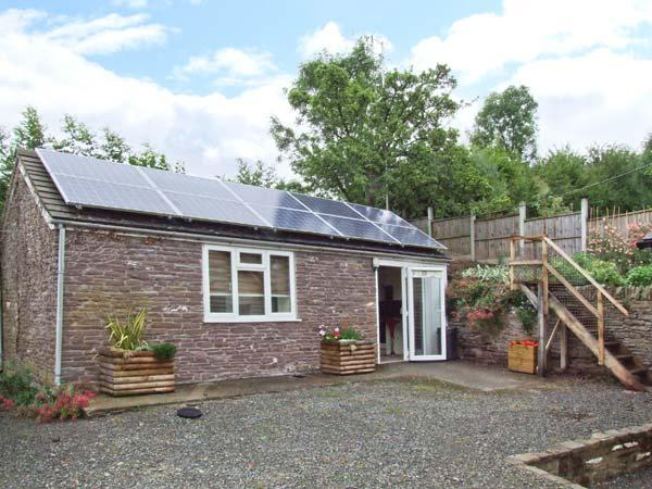 THE CHOCOLATE HOUSE, detached barn conversion, woodburning stove, in Peterchurch, Ref: 912691 - Image 1 - Vowchurch - rentals