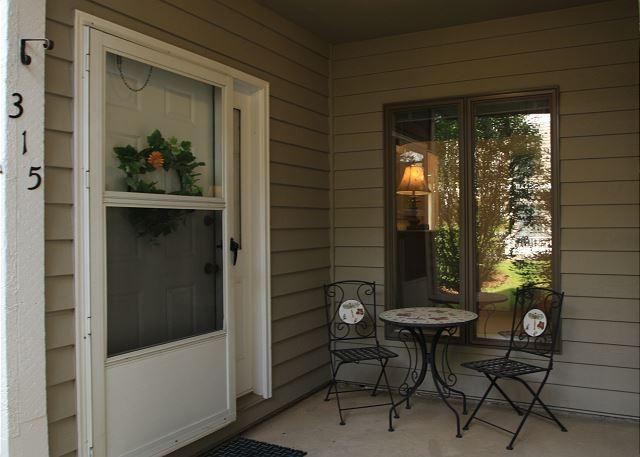 Royal Oak 315 great In-Town condo location, walk to Main Street - Image 1 - Blowing Rock - rentals