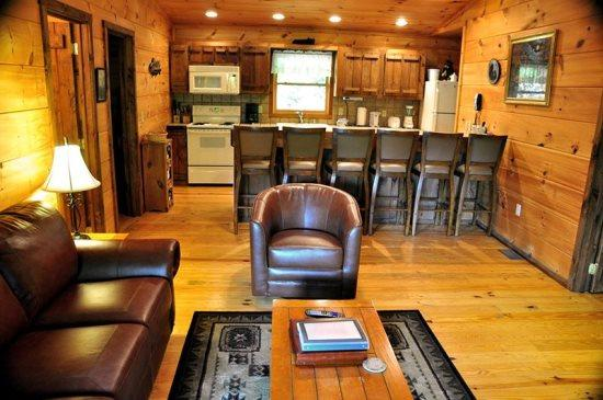 Mountain Lure is a Secluded Three Bedroom Log Cabin - Mountain Lure - This Single Level Cabin is Quite Secluded and Has Wi-Fi, A Sheltered Hot Tub, Fire Pit, and Paved Access - Bryson City - rentals