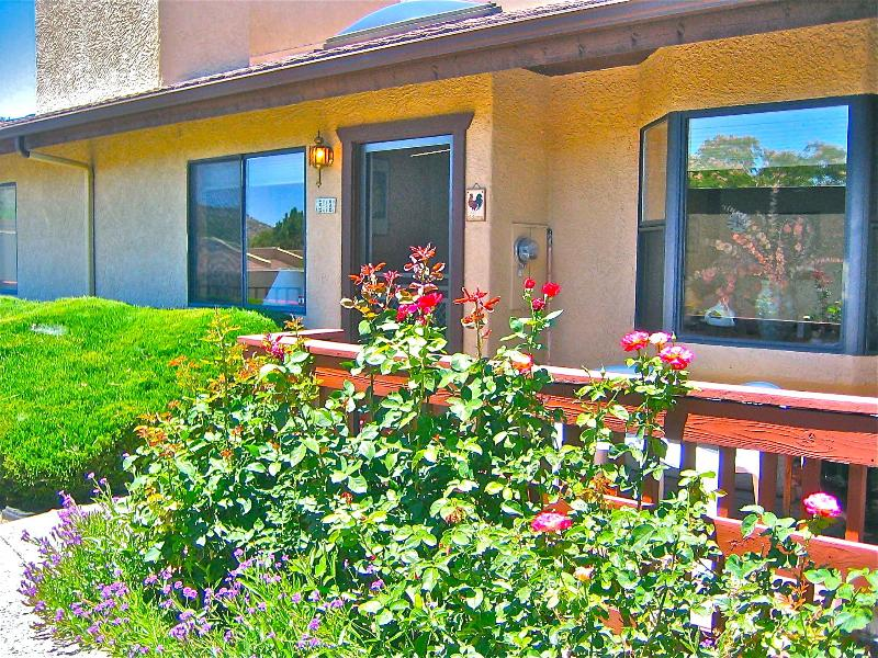 roses adoron front porch - A Comfortable Roost Among  Magnificent Red Rocks - Sedona - rentals