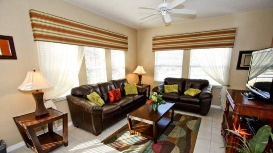 4 Bed 3 Bath Town Home In Encantada Resort. 3193YLL - Image 1 - Orlando - rentals