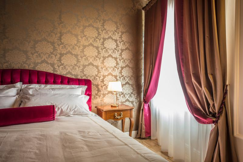 LADY CAPULET - The Baroness Apartment - Image 1 - Verona - rentals