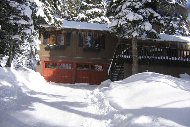 Front of house with snow - Ski & Relax! Lakeside Agate Bay w/ Hot Tub & Beach - Tahoe Vista - rentals