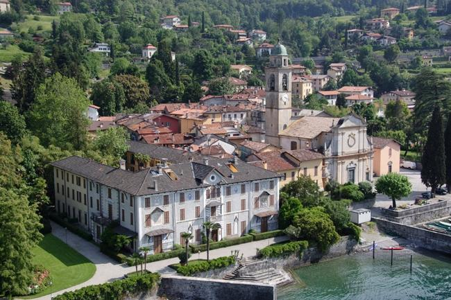 The characteristic  village of San Giovanni di BELLAGIO - 2 bedrooms apt and terraces  50 meters by the lake - Bellagio - rentals