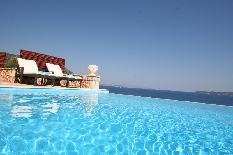 pool - 15% FIRST MINUTE EDEN Lefkada villa RISING SUN,6+2,pool,40m private seaside area - Sivota - rentals