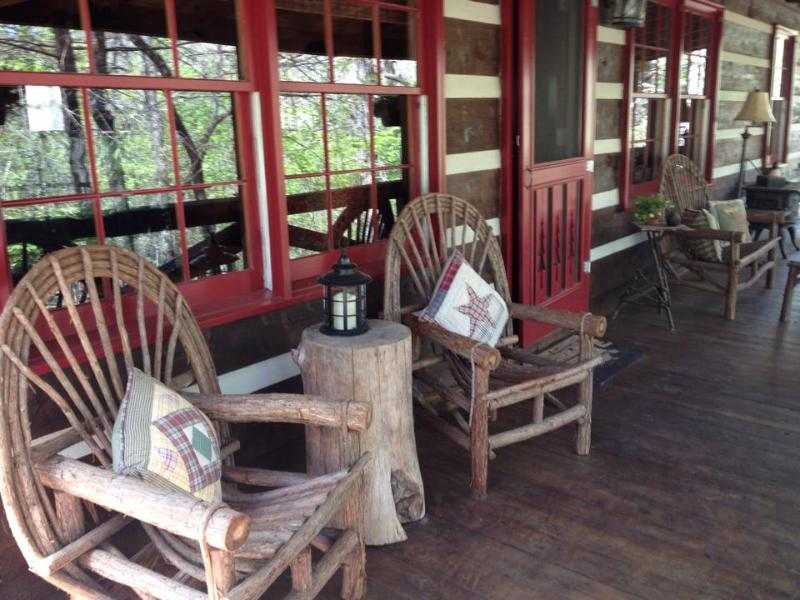 Beautiful Real Log Cabin In Blue Ridge Georgia - Image 1 - Blue Ridge - rentals