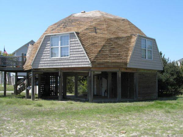 View from the rear , path to the Atlantic - Beach Bungalow 200yards to private beach - Nags Head - rentals