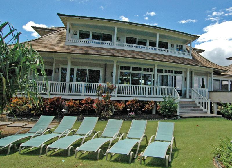 View of the house - Luxury home on the beach! - Paia - rentals