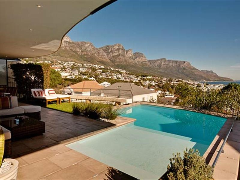 Strathmore Delight: walk to beach position... - Image 1 - Camps Bay - rentals