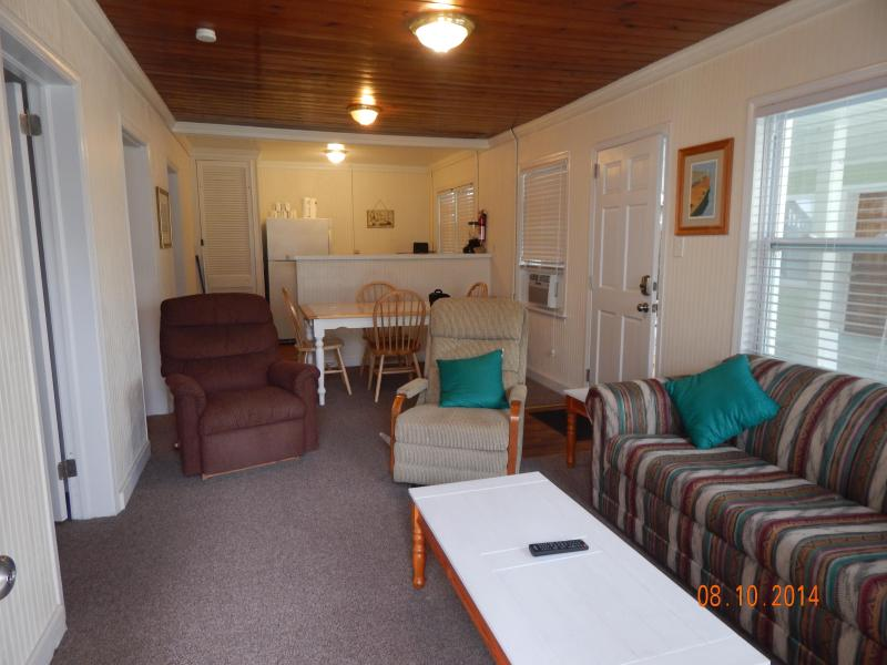 Newly Renovated Ocean Blvd. Cottage A - Image 1 - North Myrtle Beach - rentals